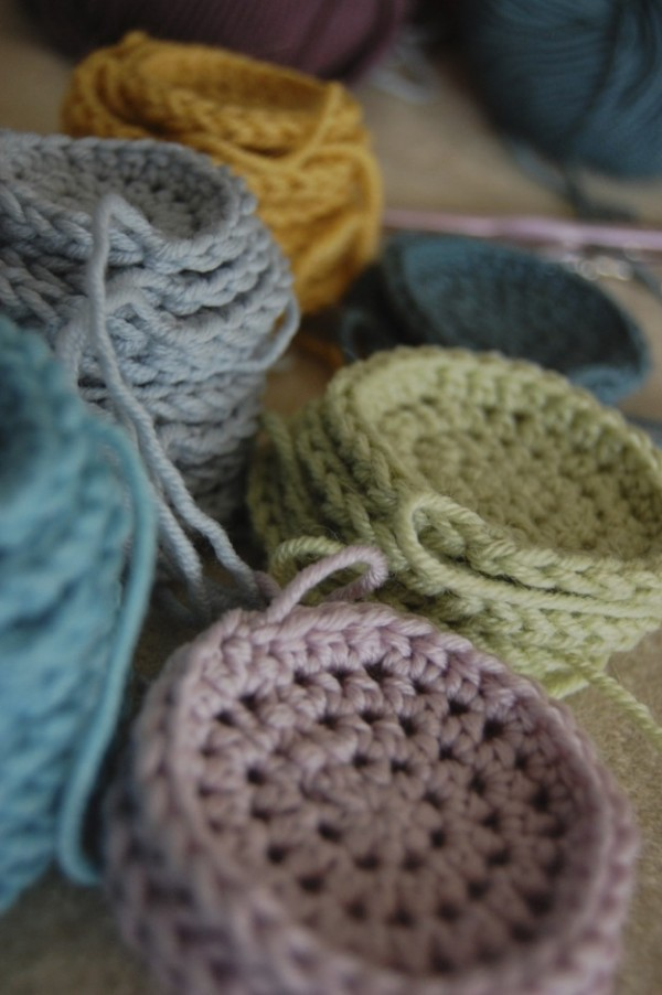 work in progress ~ crochet circles ~ lapinblu.com