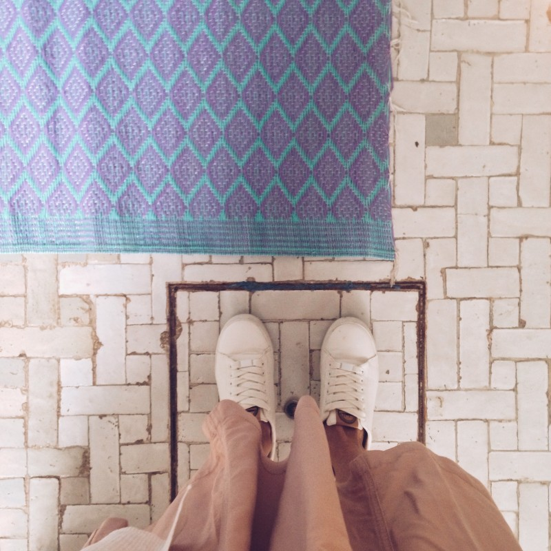 a marrakech riad with calm moroccan style & beautiful tiles