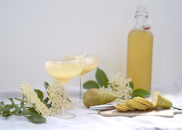 Rose & Grey's champagne cocktail glasses are perfect for this pear & elderflower syrup summer drink