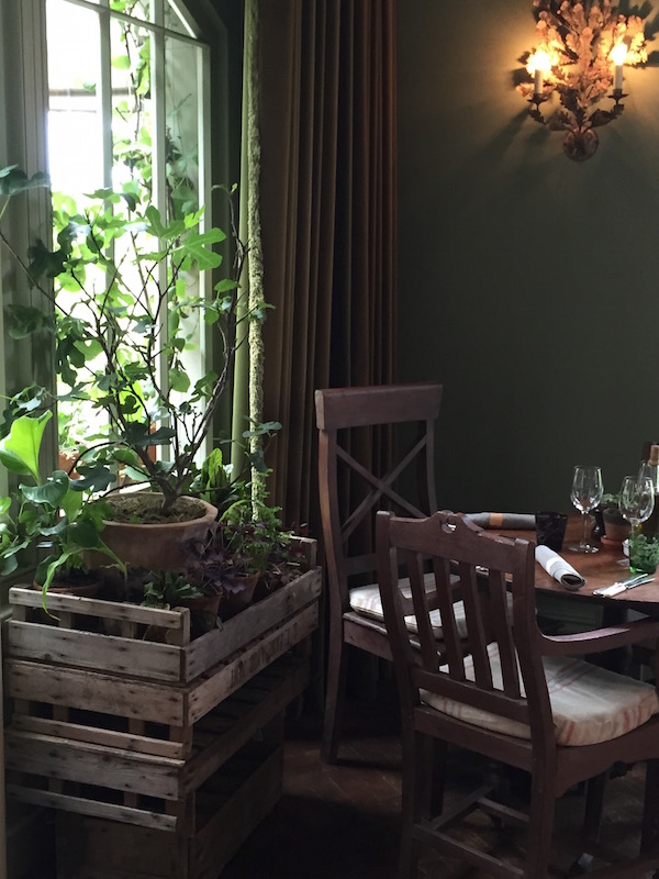 green interior inspiration from the pig hotel