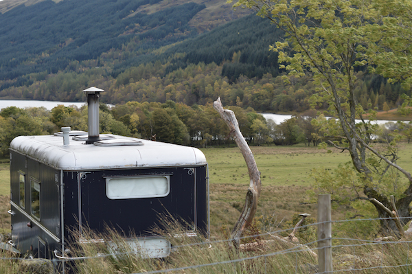 Overlooking the loch & mountains of the glen, Pilot Panther is a converted showman's wagon. Perfect for unique retreats with benefits of the Monachyle Mhor hotel on your doorstep.
