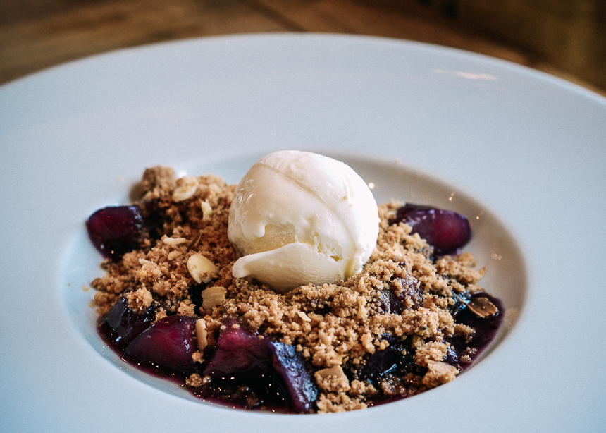 Earl-of-March-Review-LapinBlu-dessert-plum-crumble