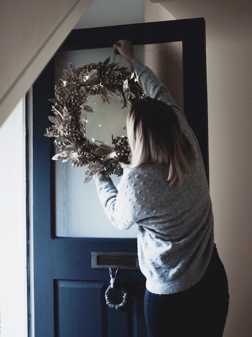 Amara_Christmas_Wreath